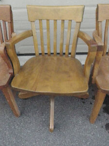 6 SOLID ANTIQUE WOODEN CHAIRS $ 85 Kingston Kingston Area image 5