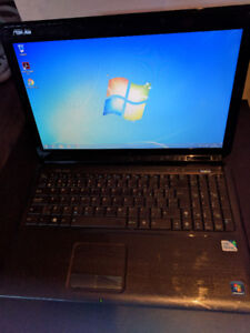 Portable Asus dual core 2.3 / 4 GB RAM / HDD 500GB