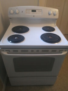 GE stove, 6 yrs gently used.