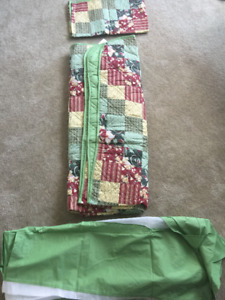 Brand New Unused Bedding Sets for Sale (Twin/Double)
