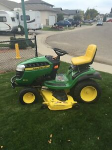 D170 John Deere Riding Lawn Mower