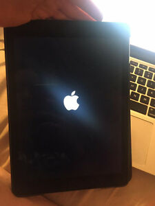 Ipad Air 2 with Rogers LTE & Wifi 16GB
