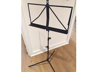 Dixon sheet music stand foldable