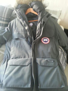Never Worn - Canada Goose Jacket - Mens - Small
