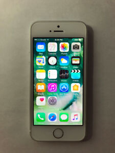 FACTORY UNLOCKED Silver 16GB iPhone 5S (A Condition)