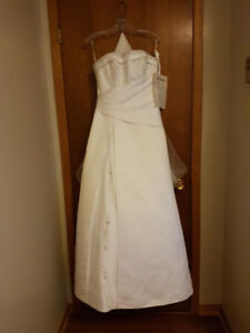New A-Line Diamond White Wedding Dress