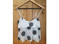 Misguided size 8 floaty crop cami