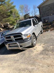 Dodge Ram 1500 4X4 Quad Cab BOITE 5.5 PIEDS 2010