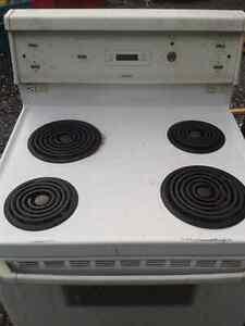 Cuisinière Hotpoint / four / oven / stove / poêle