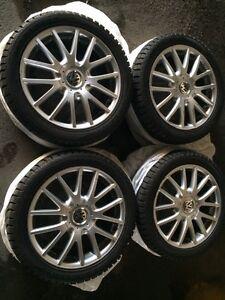 "4 mags VW classix 17"" avec 7 pneus 225/45/r17"