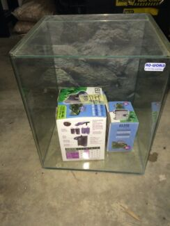 Small fish tank with hanging filter Klemzig Port Adelaide Area Preview