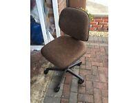 Adjustable office chair on wheels