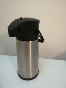 Pressure type Thermos bottle