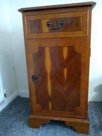 Single Door cabinet with Shelves