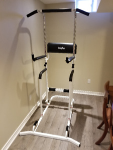 Exercise rack chin-up bar