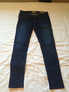 NEW! Guess Power Skinny Jeans - Size 28