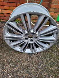 Karuga Alloy wheel 20inch front wheel from Jaguar XJ 2010.