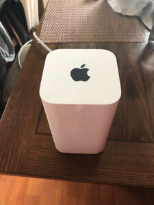 Apple AirPort Extreme.