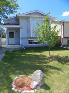 2 BD House for rent in Calmar, AB (Main floor only)