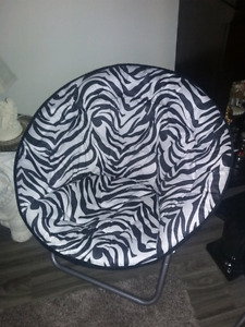 Moon Chair - Like New Condition