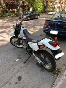 Moto Suzuki DR650 2019