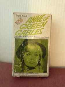 Vintage Anne of Green Gables Softcover Books in Case circa 1942 London Ontario image 2