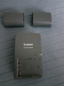 Canon camera battery charger with 2 batteries