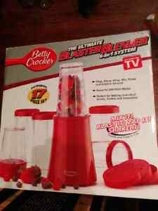 Betty Crocker Blaster Blender new unopened red