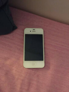 White iPhone 4s 16GB perfect condition London Ontario image 2