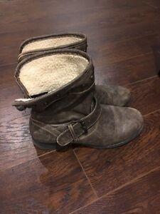 Women's Shoe Size 9