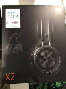 Philips Fidelio x2 headphones, excellent quality, with wood stand Bentleigh Glen Eira Area Preview