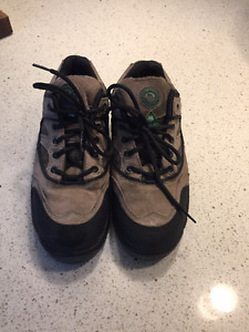 Men's Size 7 Steel Toe work shoes