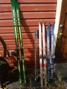 Wooden cross country skiis