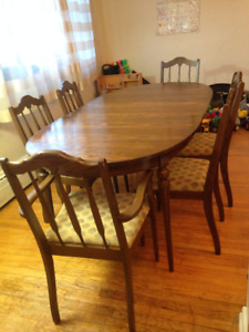 Dining Set Table Leaf And Six Chairs