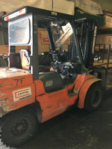 Toyota 7F Forklift - 8000lbs capacity