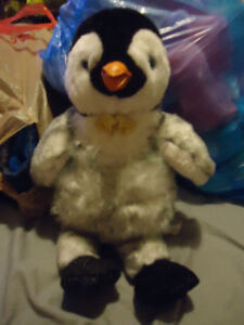 HAPPY FEET MUMBLE PENGUIN FROM BUILD A BEAR