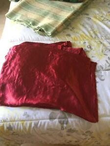 ensemble de drap en pure satin couleur bourgogne double