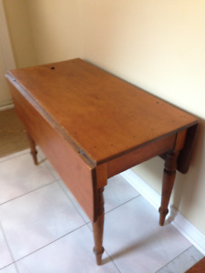 ANTIQUE SOLID PINE Drop Leaf Table .. CIRCA 1850 .. REDUCED NOW