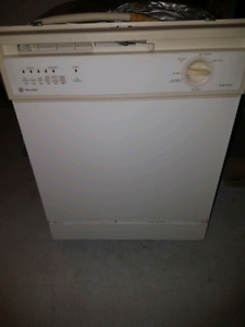 Built in dishwasher For Sale