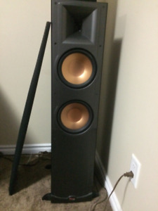Pair of Klipsch tower speakers (2) - Excellent condition