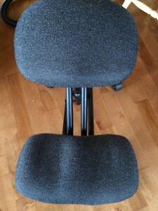 Kneeling back support desk chair