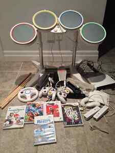 Nintendo Wii, Games and Accessories Cambridge Kitchener Area image 1
