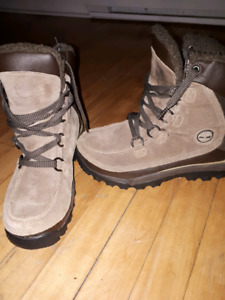 Ladies timberland winters 9.5