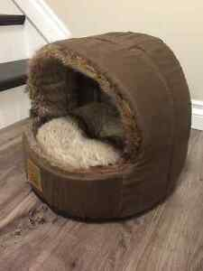 Furry cat bed, brand new