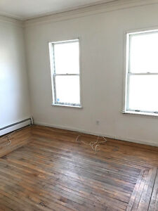 Large 2 bedroom apt heat/hot water inc. Downtown Pictou