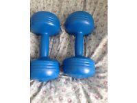 2 x 5kg hand weights
