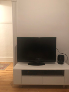 TELEVISION-HD-TV  37'' SHARP AQUOS FULL HD 140$