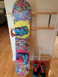 For sale - Burton Chicklet 125cm snowboard, boots and bindings