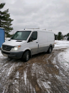 "2007 dodge/mercedes sprinter 2500 low roof 144""WB"
