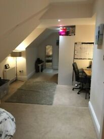 Lovely loft double room including bills for single occupancy only